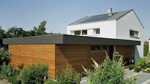 hausanbau kosten ein grozgiger dachbalkon im sommer ohne raumverlust im winter das geht nur mit. Black Bedroom Furniture Sets. Home Design Ideas